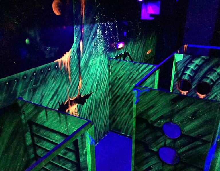 Labyrinthe de lasergame fluo